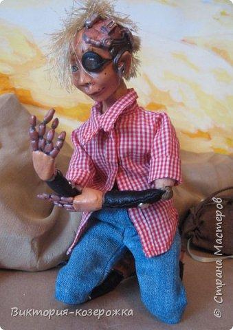Всем самый самый добрый! Была у меня идея сделать куклу такую, с помощью которой можно было бы найти ответы на выматывающие вопросы и подумать, а может даже и пофилософствовать.И так появился Патрик. и как и подобает каждой кукле ручной работы у него есть своя история. И этой историей я делюсь с вами. Милости прошу в блог.    фото 5