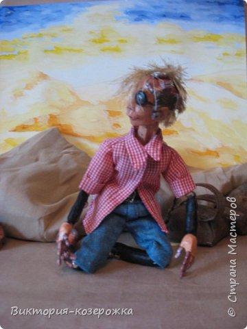 Всем самый самый добрый! Была у меня идея сделать куклу такую, с помощью которой можно было бы найти ответы на выматывающие вопросы и подумать, а может даже и пофилософствовать.И так появился Патрик. и как и подобает каждой кукле ручной работы у него есть своя история. И этой историей я делюсь с вами. Милости прошу в блог.    фото 4