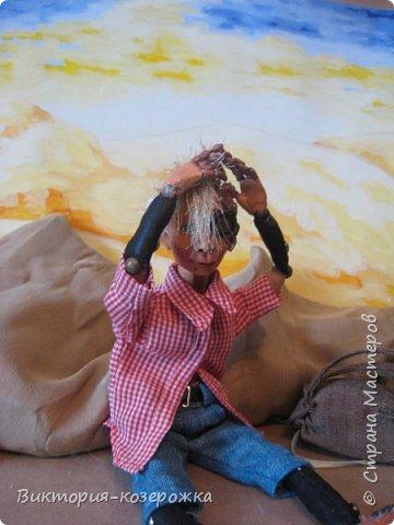 Всем самый самый добрый! Была у меня идея сделать куклу такую, с помощью которой можно было бы найти ответы на выматывающие вопросы и подумать, а может даже и пофилософствовать.И так появился Патрик. и как и подобает каждой кукле ручной работы у него есть своя история. И этой историей я делюсь с вами. Милости прошу в блог.    фото 3