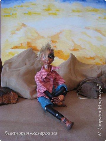 Всем самый самый добрый! Была у меня идея сделать куклу такую, с помощью которой можно было бы найти ответы на выматывающие вопросы и подумать, а может даже и пофилософствовать.И так появился Патрик. и как и подобает каждой кукле ручной работы у него есть своя история. И этой историей я делюсь с вами. Милости прошу в блог.    фото 7