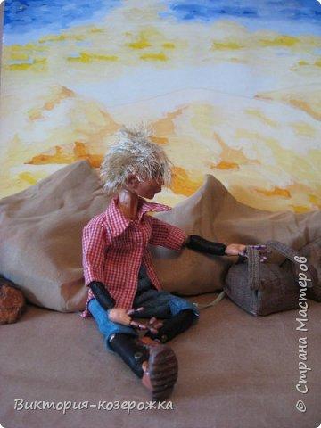 Всем самый самый добрый! Была у меня идея сделать куклу такую, с помощью которой можно было бы найти ответы на выматывающие вопросы и подумать, а может даже и пофилософствовать.И так появился Патрик. и как и подобает каждой кукле ручной работы у него есть своя история. И этой историей я делюсь с вами. Милости прошу в блог.    фото 8