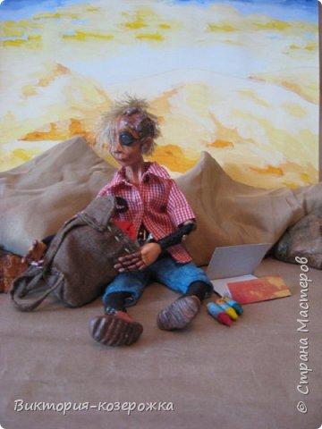 Всем самый самый добрый! Была у меня идея сделать куклу такую, с помощью которой можно было бы найти ответы на выматывающие вопросы и подумать, а может даже и пофилософствовать.И так появился Патрик. и как и подобает каждой кукле ручной работы у него есть своя история. И этой историей я делюсь с вами. Милости прошу в блог.    фото 10