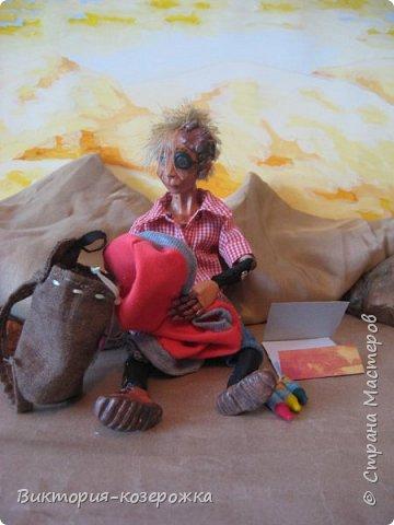 Всем самый самый добрый! Была у меня идея сделать куклу такую, с помощью которой можно было бы найти ответы на выматывающие вопросы и подумать, а может даже и пофилософствовать.И так появился Патрик. и как и подобает каждой кукле ручной работы у него есть своя история. И этой историей я делюсь с вами. Милости прошу в блог.    фото 11