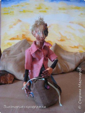 Всем самый самый добрый! Была у меня идея сделать куклу такую, с помощью которой можно было бы найти ответы на выматывающие вопросы и подумать, а может даже и пофилософствовать.И так появился Патрик. и как и подобает каждой кукле ручной работы у него есть своя история. И этой историей я делюсь с вами. Милости прошу в блог.    фото 14