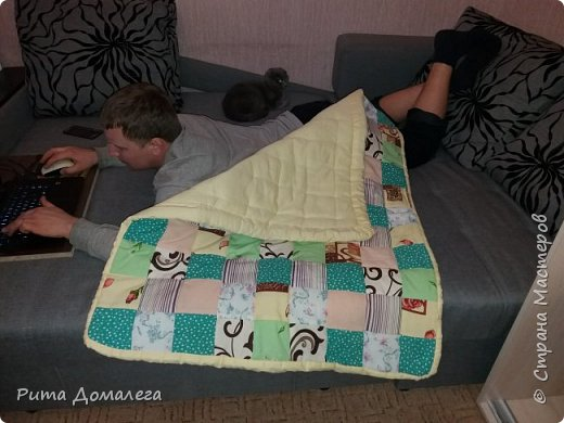 Сшила одеялко для дочки в стиле пэчворк. Размер 110х90 см. Лоскуты заготавливала сама по шаблону 10х10 фото 2
