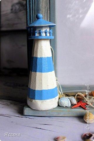 Здравствуйте, уважаемые жители Страны Мастеров! Хочу поделиться с вами идеей декорирования рамок для фотографий в морском стиле. Так уж случилось, что море я не люблю.. вернее, не люблю бывать  у него в гостях) моя стихия - горы! Но, при этом, очень люблю в декоре все, что связано с морем - за особую, наверное, природность этих материалов, цвета, фактуры.. И, естественно, трепетно всё это собираю, наказывая всем своим знакомым, привезти всё, что под руку (или ногу!) попадется на побережье. Лежало всё это добро, бережно хранимое, и ждало своего часа, и он настал таки! И пусть не всё, что скопилось, пригодилось в самой работе - так хоть в фотосессии поучаствовало..)) Одному маленькому мальчику в его новую морскую комнату появились в подарок вот такие рамочки, которые очень хорошо вписались в интерьер и, главное, понравились малышу и его родителям, моим друзьям! Итак, добро пожаловать..) фото 9