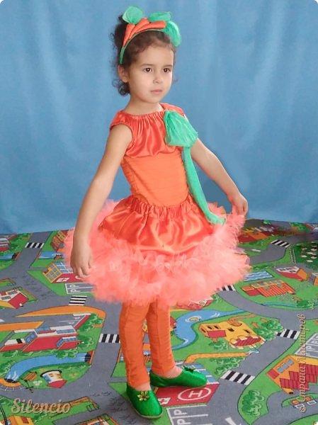 На праздник Осени доча была Морковкой.  фото 1