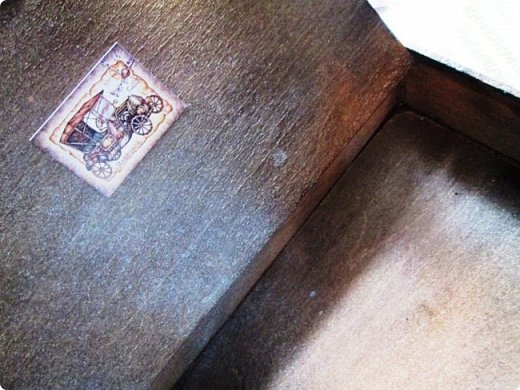 Шкатулка заштукатурена, закрашена, забрызгана, немножко декупажа, объём из вырубки. фото 3