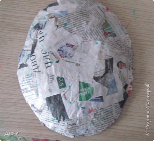 Всем огромный приветик! Сегодня я вам хочу показать маску, которую я сделала на праздник хэллоуин. У нас этот праздник обычно не празднуют, но вот учительница английского языка каждый год что нибудь придумывает. В прошлом году делали паучков и остроконечные шляпы ведьм.  В этом году маски фото 12