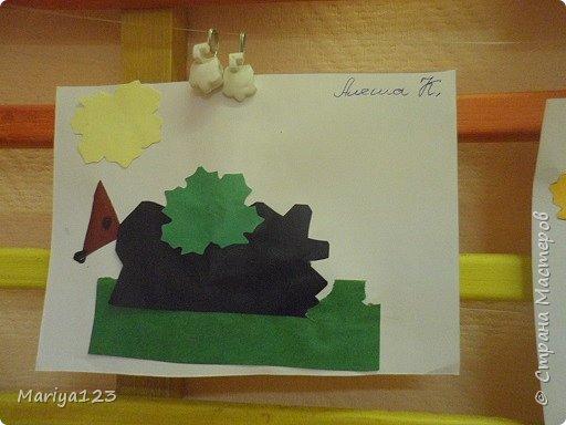 Добрый день всем заглянувшим! Предлагаю посмотреть работы моих деток. Мастерили грибочки в технике оригами, а ежика на полянке в технике аппликация. фото 8