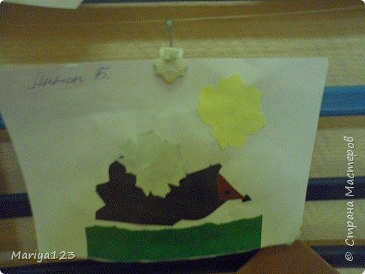Добрый день всем заглянувшим! Предлагаю посмотреть работы моих деток. Мастерили грибочки в технике оригами, а ежика на полянке в технике аппликация. фото 10