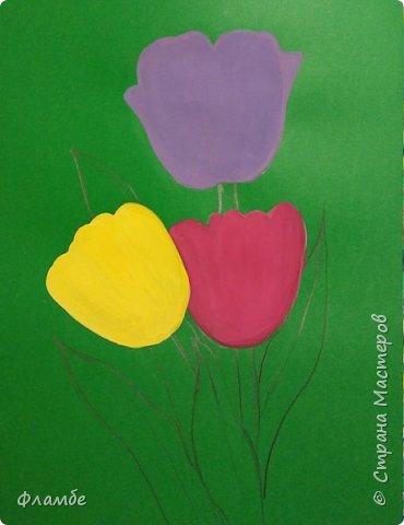 Всем привет! Все уже поняли, что я очень люблю тонированную бумагу))) На этот раз тюльпаны, хотя, конечно, не сезон))).Для работы понадобится: Бумага тонированная зелёного цвета, гуашь. фото 3