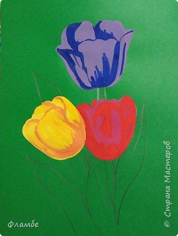 Всем привет! Все уже поняли, что я очень люблю тонированную бумагу))) На этот раз тюльпаны, хотя, конечно, не сезон))).Для работы понадобится: Бумага тонированная зелёного цвета, гуашь. фото 4