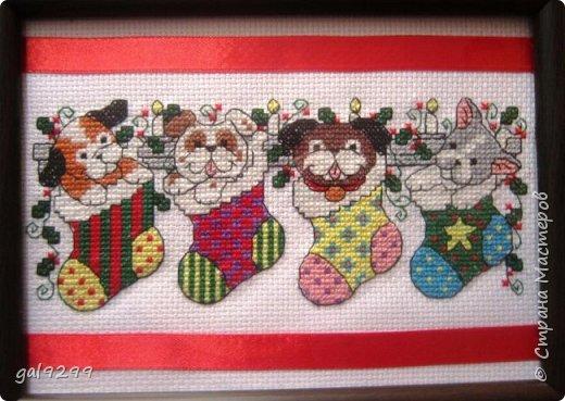 Новый Год не за горами. Это мои вышивки к Году Собаки.  Это магнитики на холодильник. Схема из журнала Cross Stitcher Card Shop. фото 3
