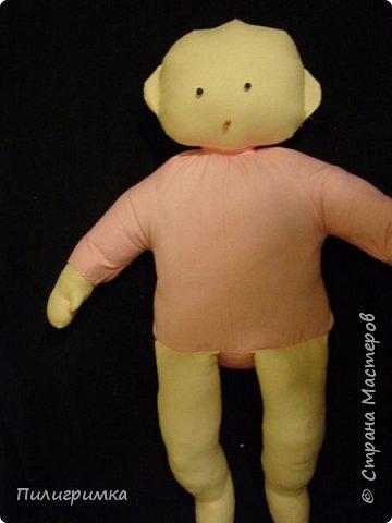 Для работы: 1.Ткань (бязь для головы,ног и кистей рук)  Для тела можно взять байку или тоже бязь.   2.Наполнитель (холофайбер или синтепон) 3.Иглы, нитки, маркер.  фото 30