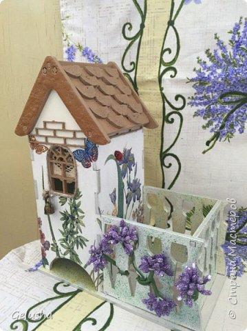 Всем привет! Представляю Вам мою чайную коллекцию, очень люблю заготовки домика с маленькой конфетницей.  Вот первый домик- структурная паста на крыше, кружево, бусины, цветы фото 4