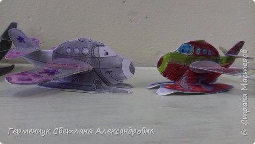 """На уроке трудового обучения  ребята  3 """"А"""" класса  работали над созданием моделей   самолетиков. Получилась вот такая эскадрилья!!! Славно потрудились будущие конструкторы!!! МОЛОДЦЫ!!! фото 19"""