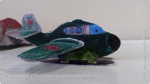 """На уроке трудового обучения  ребята  3 """"А"""" класса  работали над созданием моделей   самолетиков. Получилась вот такая эскадрилья!!! Славно потрудились будущие конструкторы!!! МОЛОДЦЫ!!! фото 18"""