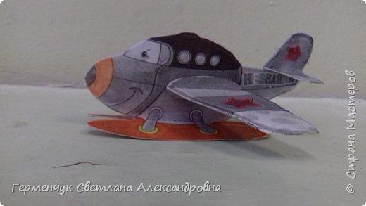 """На уроке трудового обучения  ребята  3 """"А"""" класса  работали над созданием моделей   самолетиков. Получилась вот такая эскадрилья!!! Славно потрудились будущие конструкторы!!! МОЛОДЦЫ!!! фото 16"""