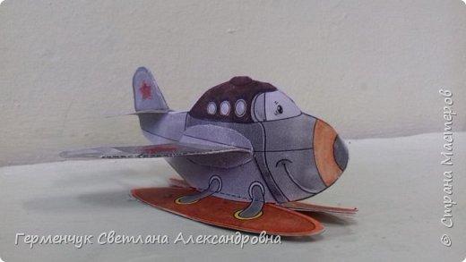 """На уроке трудового обучения  ребята  3 """"А"""" класса  работали над созданием моделей   самолетиков. Получилась вот такая эскадрилья!!! Славно потрудились будущие конструкторы!!! МОЛОДЦЫ!!! фото 15"""