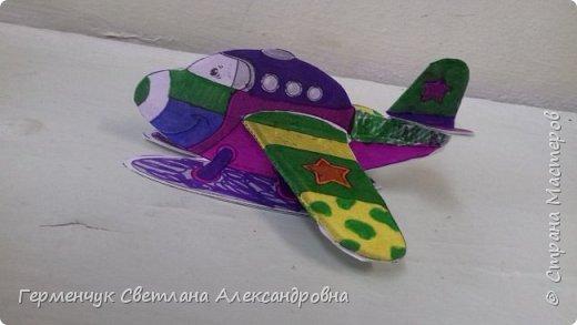 """На уроке трудового обучения  ребята  3 """"А"""" класса  работали над созданием моделей   самолетиков. Получилась вот такая эскадрилья!!! Славно потрудились будущие конструкторы!!! МОЛОДЦЫ!!! фото 10"""