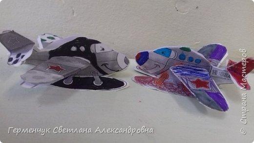 """На уроке трудового обучения  ребята  3 """"А"""" класса  работали над созданием моделей   самолетиков. Получилась вот такая эскадрилья!!! Славно потрудились будущие конструкторы!!! МОЛОДЦЫ!!! фото 5"""