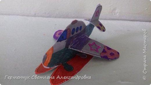 """На уроке трудового обучения  ребята  3 """"А"""" класса  работали над созданием моделей   самолетиков. Получилась вот такая эскадрилья!!! Славно потрудились будущие конструкторы!!! МОЛОДЦЫ!!! фото 3"""