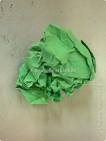 Я использую бумажную травку в разных работах: и в качестве наполнителя каких-либо емкостей, и в открытках, и в панно.Вот такая она получается из офисной бумаги. фото 3