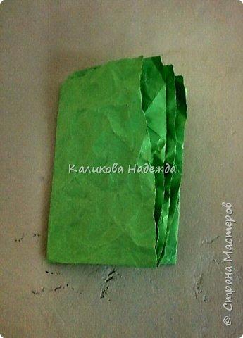 Я использую бумажную травку в разных работах: и в качестве наполнителя каких-либо емкостей, и в открытках, и в панно.Вот такая она получается из офисной бумаги. фото 5