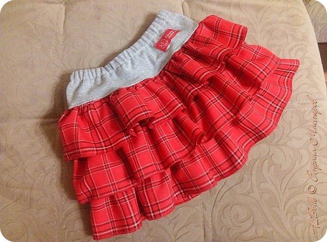Всем привет! За последние месяцы Настя выросла из своих садовских платьев и сарафанов. Вот решила обновить ее гардероб еще одной юбочкой. Фасончик милый и довольно популярный. Таких у нас не одна, но много ведь не бывает... фото 1