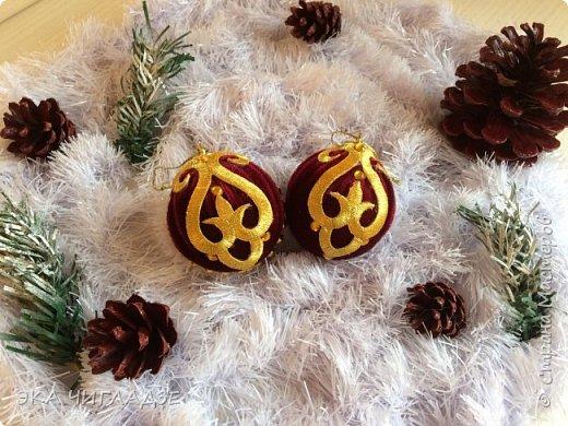 Вот такой наборчик для королевской ёлочки из велюра 8 шаров и шишки  фото 5