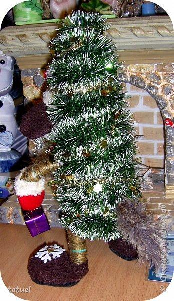 Всем добрый вечер! Я вам елочки притащила, ведь Новый Год не за горами. Первая, вторая, третья...Елочки зелененькие, молоденькие, да и красивые!  фото 7
