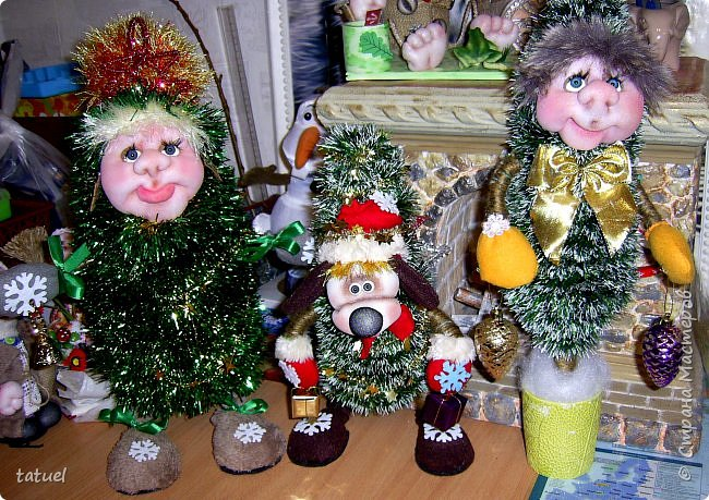 Всем добрый вечер! Я вам елочки притащила, ведь Новый Год не за горами. Первая, вторая, третья...Елочки зелененькие, молоденькие, да и красивые!  фото 1