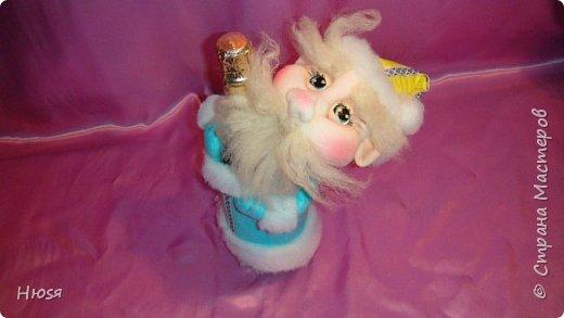 """Здравствуйте, Уважаемые мастерицы и мастера! В прошлом году я уже делала подобных. Кукла - """"Дед Мороз"""". Выполнены в технике: """"Скульптурный текстиль"""". Материалы: капрон, синтепон, фетр, овечья шерсть. Размер: 30 см. МК можно посмотреть у Семенюк Елены http://stranamasterov.ru/node/665734?c=favorite. Спасибо ей большое. фото 8"""