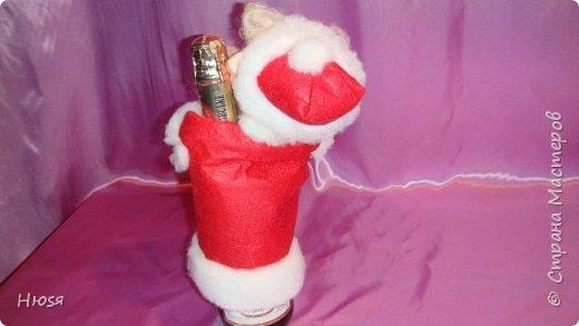 """Здравствуйте, Уважаемые мастерицы и мастера! В прошлом году я уже делала подобных. Кукла - """"Дед Мороз"""". Выполнены в технике: """"Скульптурный текстиль"""". Материалы: капрон, синтепон, фетр, овечья шерсть. Размер: 30 см. МК можно посмотреть у Семенюк Елены http://stranamasterov.ru/node/665734?c=favorite. Спасибо ей большое. фото 14"""