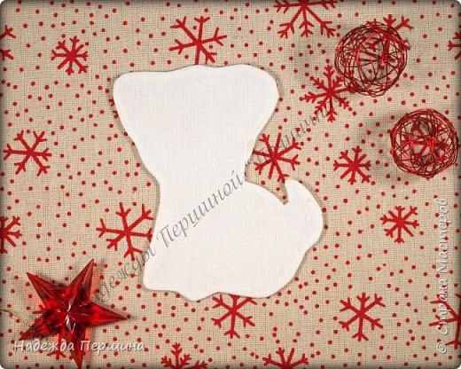 Наверное, для меня это стало уже традицией. С приближением новогодних праздников закатываю рукава и пеку пряники. Вернее, не пеку, а шью:)  Сегодня я хочу поделиться с вами изготовлением милой пряничной собачки.  фото 7