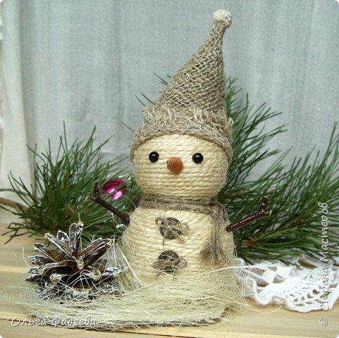 Всем привет! Вот скаталась у меня небольшая снежная семейка снеговичков! Немного похожие, немного разные ... фото 2