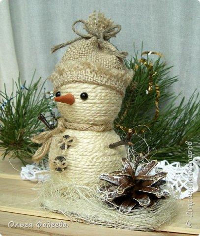 Всем привет! Вот скаталась у меня небольшая снежная семейка снеговичков! Немного похожие, немного разные ... фото 1