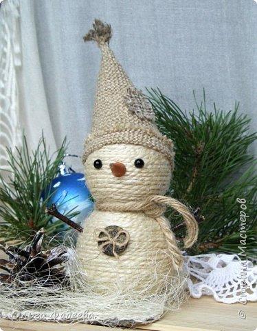 Всем привет! Вот скаталась у меня небольшая снежная семейка снеговичков! Немного похожие, немного разные ... фото 4
