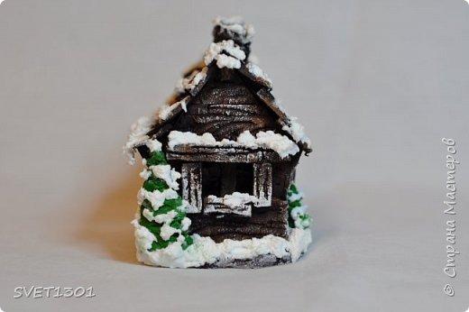 Здравствуйте все! Сделала вот такой зимний домик  и буду делать ещё 3 для интерьерной композиции. Возник вопрос нужен ли кому ни будь МК по домику или нет. Если нужен, то отвлекусь на фотографирование процесса.  фото 3