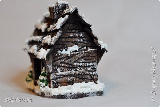 Здравствуйте все! Сделала вот такой зимний домик  и буду делать ещё 3 для интерьерной композиции. Возник вопрос нужен ли кому ни будь МК по домику или нет. Если нужен, то отвлекусь на фотографирование процесса.  фото 2