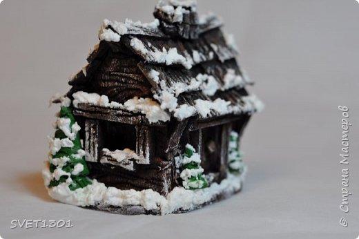 Здравствуйте все! Сделала вот такой зимний домик  и буду делать ещё 3 для интерьерной композиции. Возник вопрос нужен ли кому ни будь МК по домику или нет. Если нужен, то отвлекусь на фотографирование процесса.  фото 1
