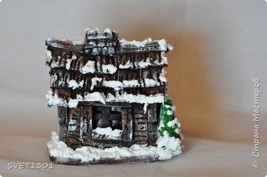 Здравствуйте все! Сделала вот такой зимний домик  и буду делать ещё 3 для интерьерной композиции. Возник вопрос нужен ли кому ни будь МК по домику или нет. Если нужен, то отвлекусь на фотографирование процесса.  фото 4
