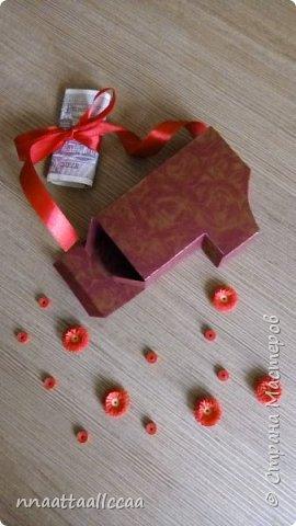 Вот такую коробочку сделала в подарок на 65-и летие. Схему брала у Любови Грасмик   https://stranamasterov.ru/node/764585 фото 4