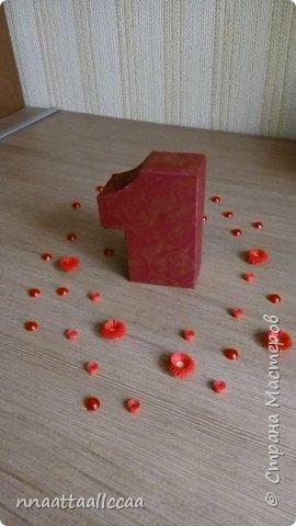 Вот такую коробочку сделала в подарок на 65-и летие. Схему брала у Любови Грасмик   http://stranamasterov.ru/node/764585 фото 2