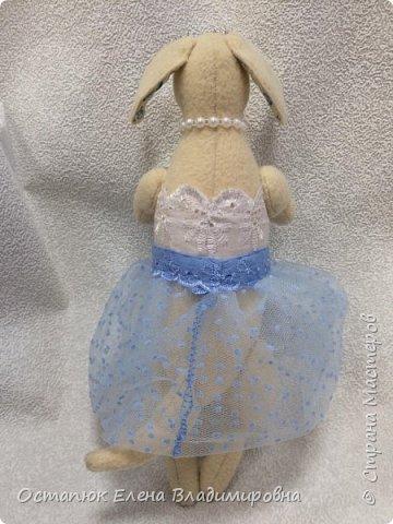 """Добрый день. Моя игрушка почти полностью повторяет работу  shyra1920 """"Такса танцует Джинсовый Балет"""". Я лишь слегка видоизменила выкройку. Вот моя красотка. фото 3"""