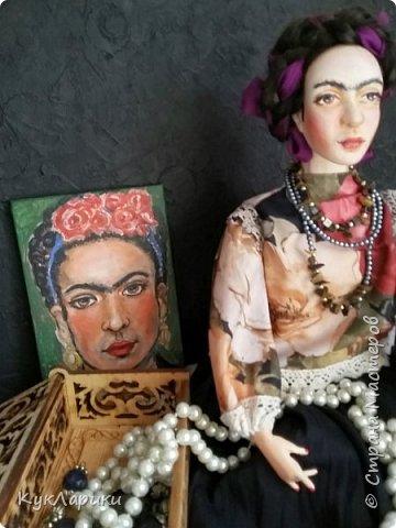 Добрый день. Я уже писала,что очень люблю Фриду Кало. И это моя третья кукла. фото 2