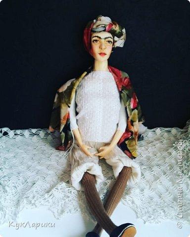 Добрый день. Я уже писала,что очень люблю Фриду Кало. И это моя третья кукла. фото 5