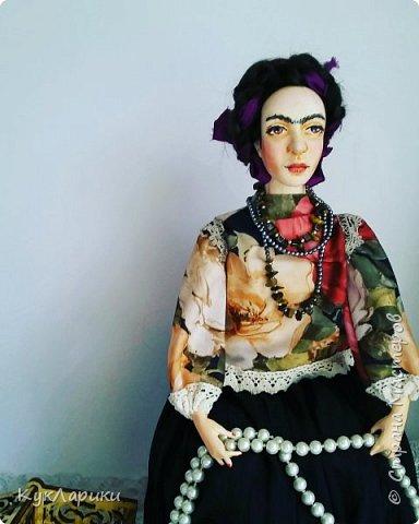 Добрый день. Я уже писала,что очень люблю Фриду Кало. И это моя третья кукла. фото 4