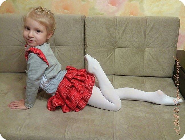 Всем привет! Недавно я показывала нашу клетчатую юбочку, а сегодня  к ней появилась и кофточка. фото 4
